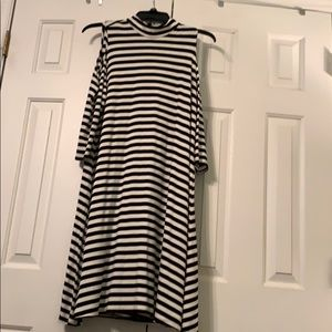 NWT Mock cold shoulder stripe dress L